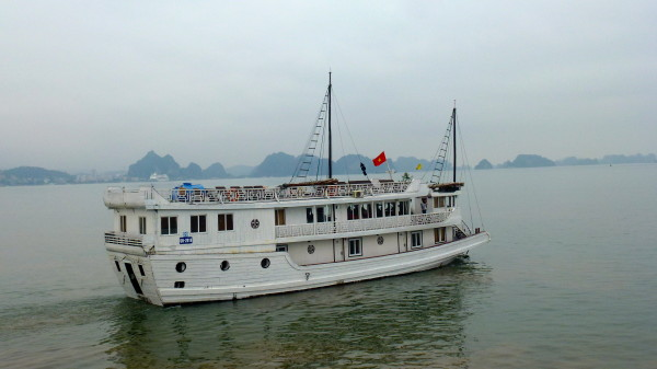 Junk Ship Cruise Halong Bay