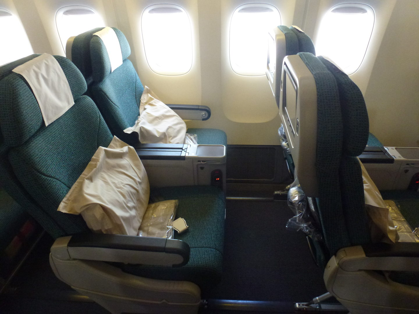 Flying Premium Economy With Cathay Pacific – Hong Kong To London