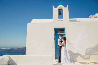 Santorini Glam Weddings photo shoot (image source)