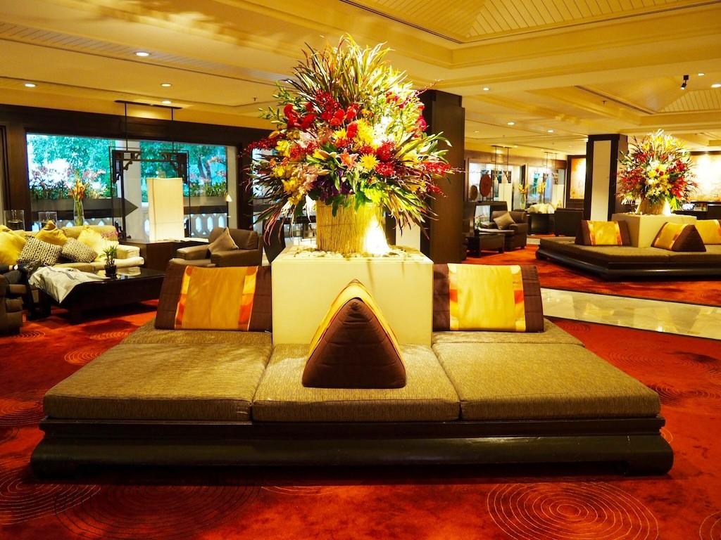The inviting hotel lobby