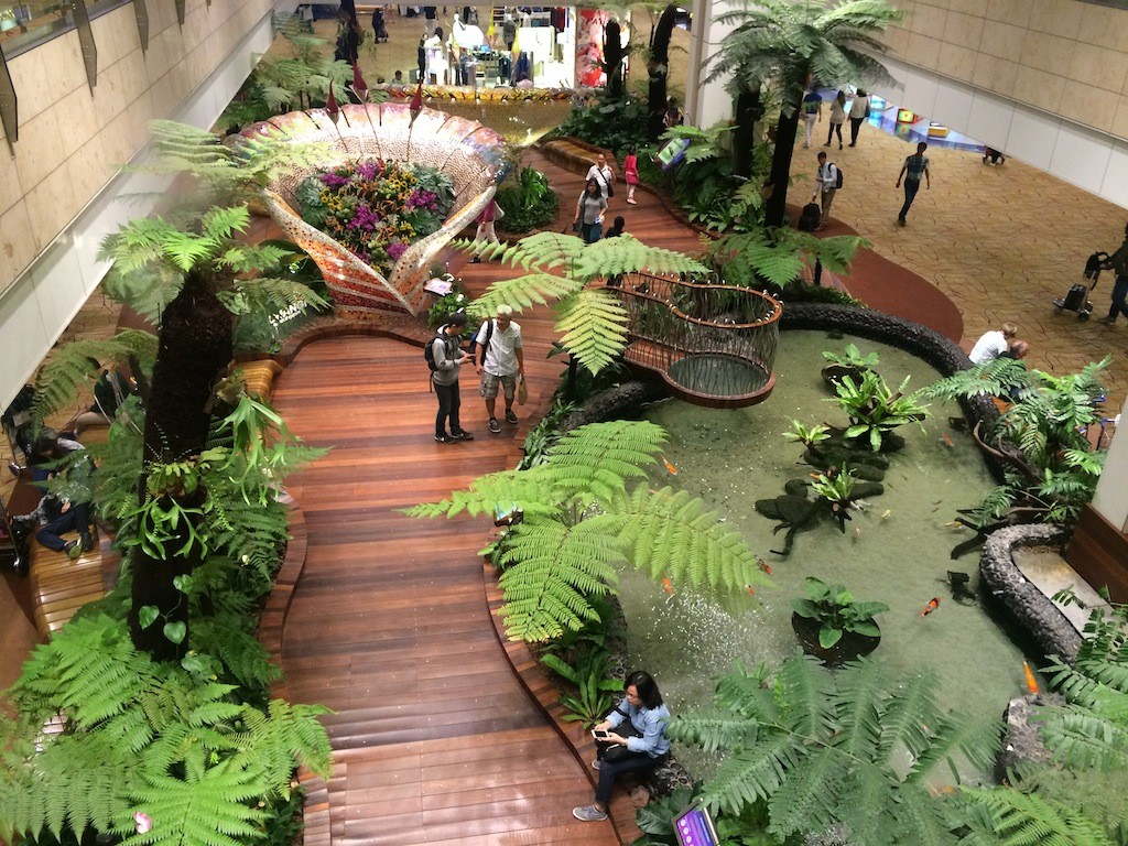 If I have to transit anywhere, I choose Singapore Changi Airport