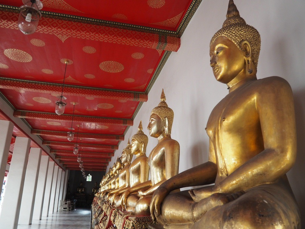 I grossly underestimated how long it would take me to get to Wat Pho but it was worth the effort