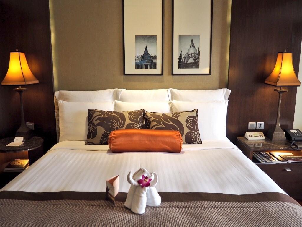 Elegant yet traditional - Deluxe Premier River View Room at Anantara Riverside Resort