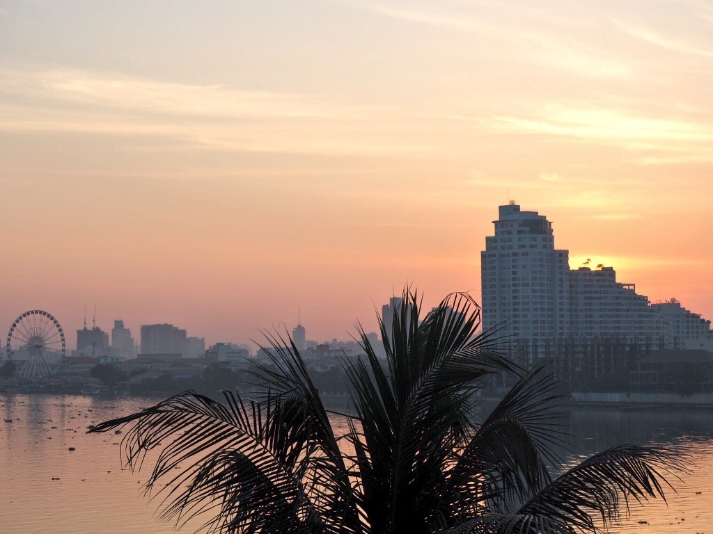 Jet lag has its advantages - sunrise views from Anantara Riverside Bangkok Resort