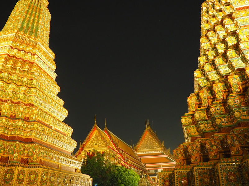 Wat Pho glistens by night