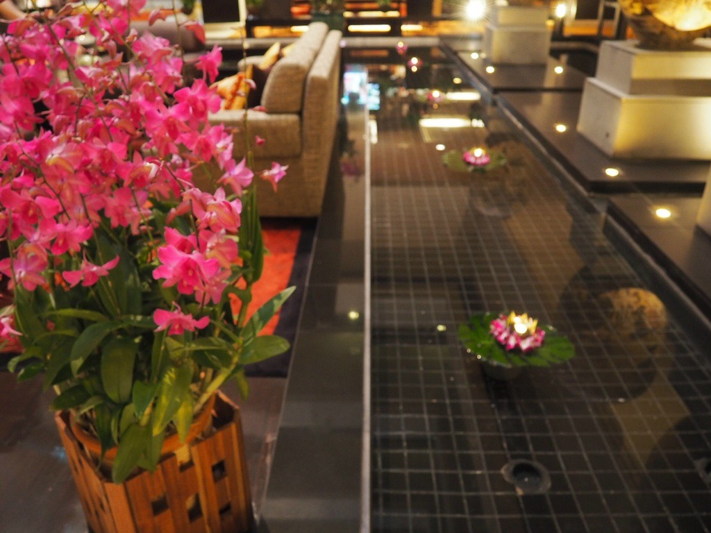 The hotel is filled with pretty touches, like the flowers that are changed daily and candles which are lit each evening.