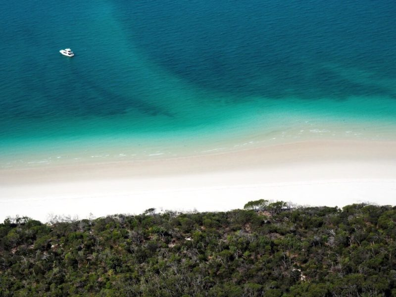 Incredible Helicopter Ride Over The Great Barrier Reef & Whitsunday Islands