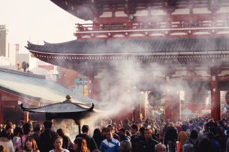 Explore Tokyo's oldest temple - Senso-ji