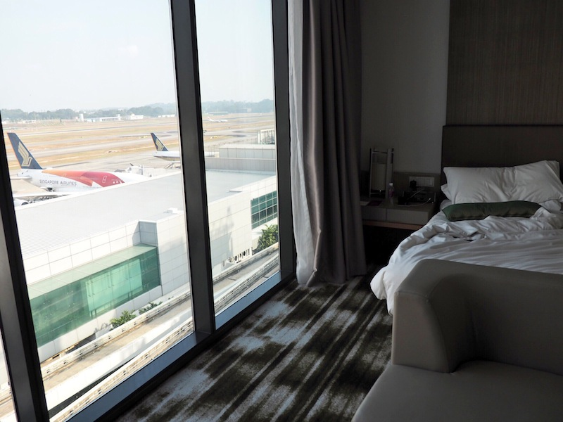 Crowne Plaza Changi Airport Runway View Room
